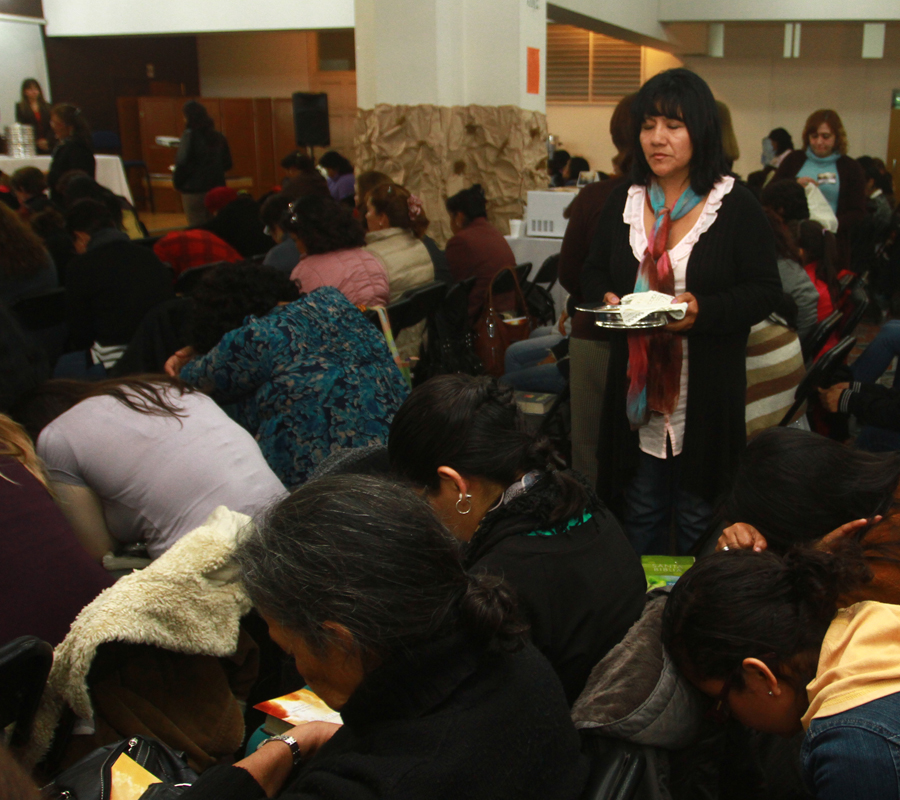 12_Peru-Prayer & Communion